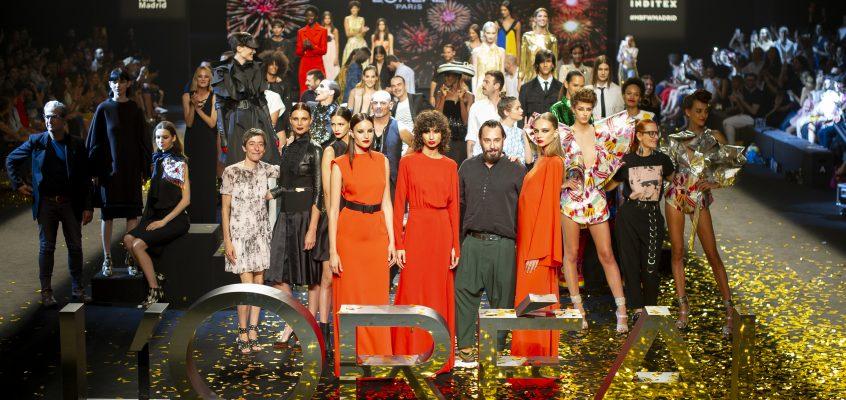 """Desfile L'Oréal París """"Porque tú lo vales"""": Un homenaje a la mujer y a la moda española."""